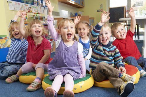 23 февраля в детском саду: игры и конкурсы, поделки фото