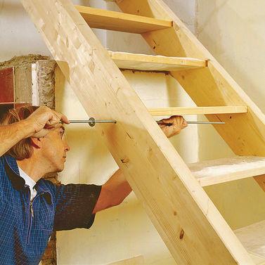 Деревянная лестница своими руками: фото, видео изготовления