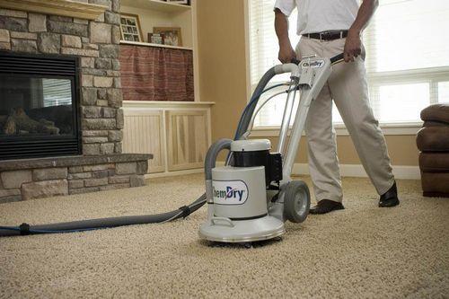 Химчистка ковров и мягкой мебели: доверьтесь профессионалам