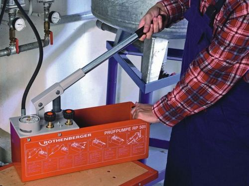 Как делать опрессовку системы отопления?