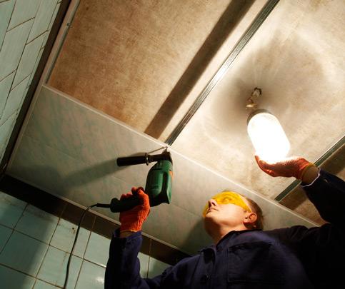 Как и чем крепить подвесной потолок к разным поверхностям?