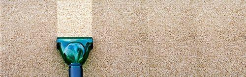 Как эффективно и быстро очистить ковер в домашних условиях