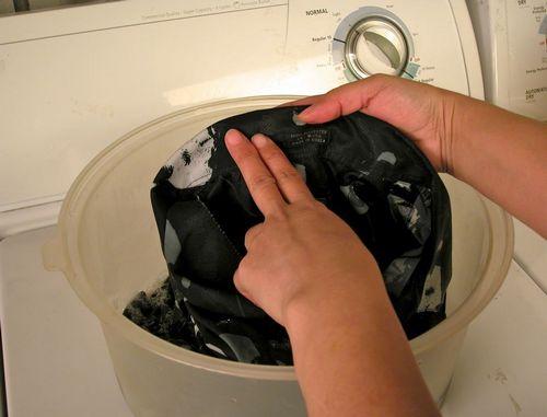 Как эффективно и быстро отстирать машинное масло с одежды?
