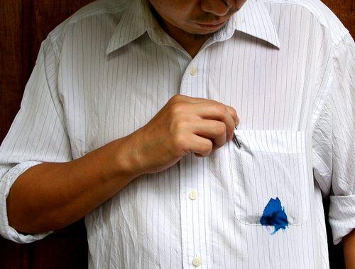 Как эффективно вывести шариковую ручку с одежды, видео инструкция