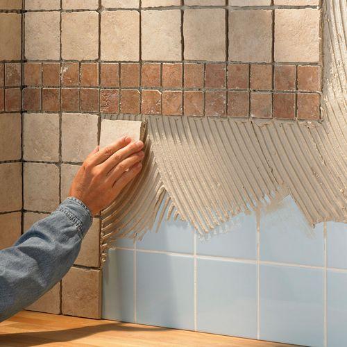 Как класть плитку в ванной своими руками: технология отделки стен и пола
