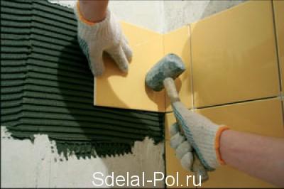 Как положить плитку в туалете: инструкция по укладке керамической кафельной плитки, видео