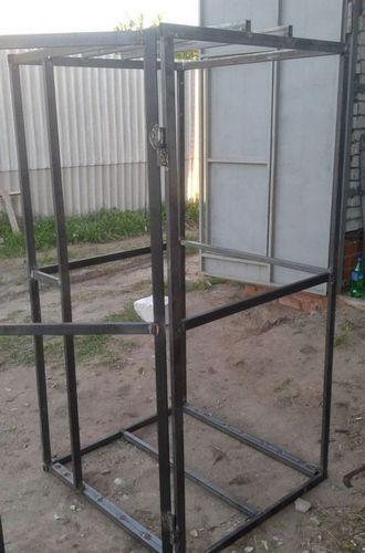 Как построить летний душ для дачи из металла и дерева?