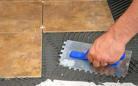 Как сделать ремонт плитки на полу: частично или полностью