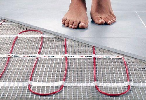 Как сделать теплый пол: как правильно делать водяной, электрический пол самостоятельно, как провести от отопления, просто построить, положить своими руками, как надо делать