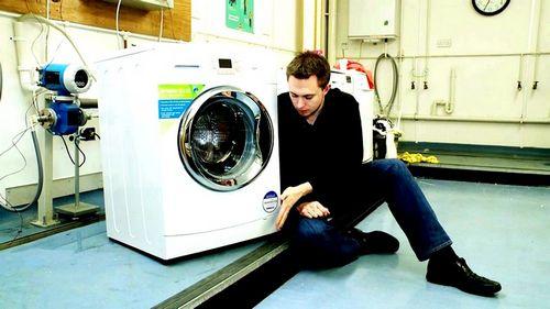 Как убрать запах из стиральной машины и предотвратить его появление