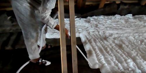 Как утеплить потолок со стороны чердака в частном доме