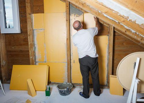 Как утеплить стены изнутри — основные проблемы и способы их решения