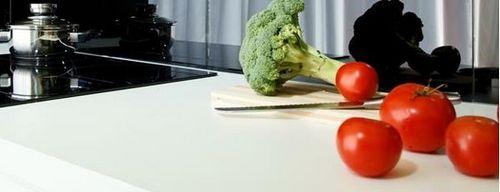 Как выбрать столешницу для кухни - обзор популярных материалов