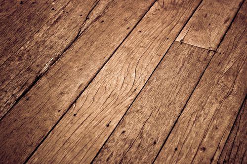 Как выровнять деревянный и бетонный пол своими руками под ламинат