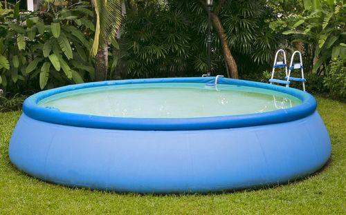 Какой бассейн выбрать для размещения на загородном или дачном участке