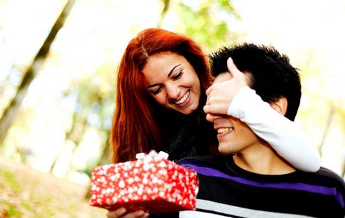 Какой сделать подарок парню на день влюбленных, видео советы