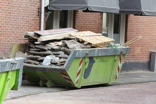 Куда вывозить строительный мусор самостоятельно - варианты решения