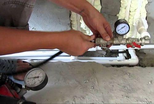 Опрессовка системы отопления СНИП: каким давлением опрессовывают, допустимое падение давления при опрессовке, что значит гидравлическая опрессовка, как производится