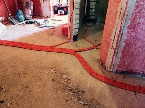 Особенности прокладки кабеля в полу