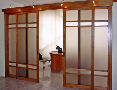 Откатные межкомнатные двери: обзор и инструкция по установке