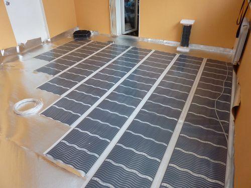 Пленочный теплый пол под линолеум: монтаж и подключение