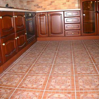 Плитка для кухни на пол: секреты укладки кафельной плитки