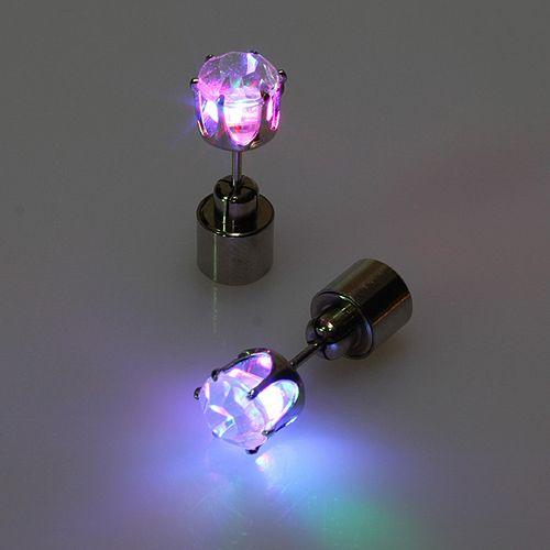 Почему светодиодные лампы светятся после выключения?