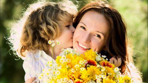 Подарки, организация праздника, открытки с 8 Марта для мамы, видео