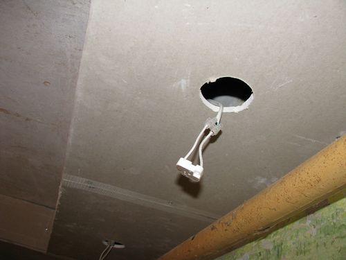 Потолок из гипсокартона в ванной на видео: фото и как сделать своими руками в комнате