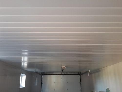 Потолок в гараже: чем обшить дешево и красиво своими руками и варианты на фото