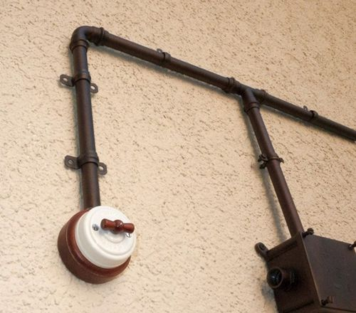 Прокладываем кабель в металлической трубе