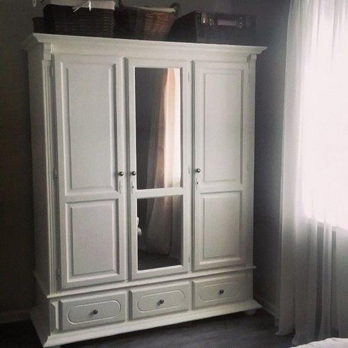 Шкаф в спальню: 20 фото примеров