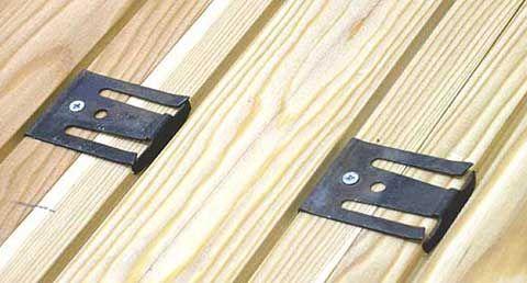 Способы укладки массивной доски: замковым соединением, на скобы, традиционные способы