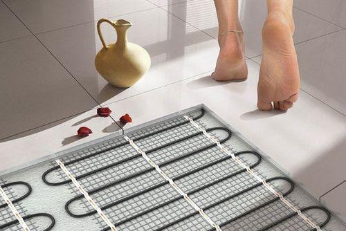 Теплый пол в ванной комнате своими руками: водяной и электрический, как правильно сделать, укладка, как положить, устройство
