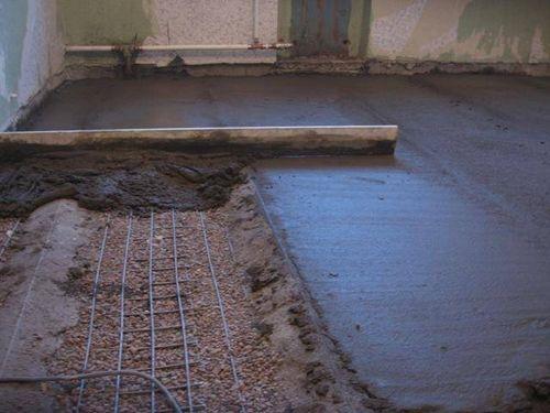 Толщина стяжки для водяного теплого пола - какой она должна быть