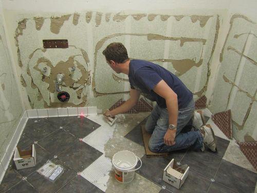 Укладка плитки на старую плитку на полу в ванной и подготовка поверхности