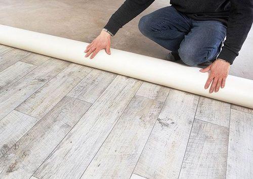 Укладка теплого пола под линолеум: как сделать без стяжки, на деревянный пол в доме, как класть инфракрасный пленочный пол, устройство электро пола