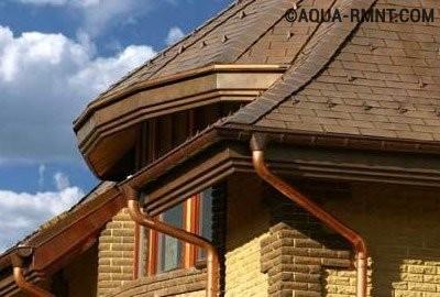 Установка и монтаж водостоков для крыши своими руками: инструктаж