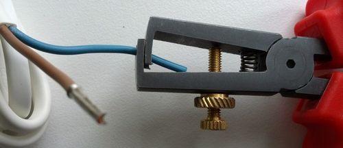 Выбираем инструмент для снятия изоляции с проводов - все виды стрипперов