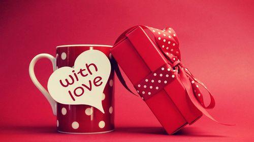 Выбираем оригинальный подарок парню на 14 февраля фото