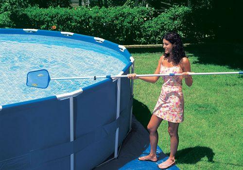 Выбираем современный бассейн для дачи: виды, уход за водой