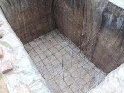Выгребная яма - устройство своими руками, объем, виды емкостей, кладка
