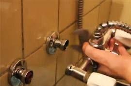 Замена и установка смесителя в ванной своими руками