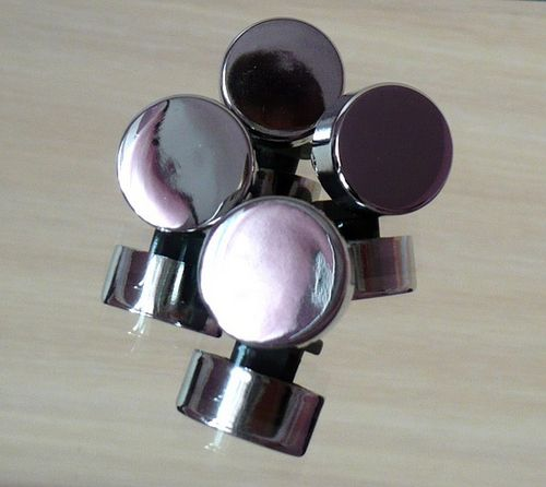 Зеркало в ванную своими руками с защитой от влаги: рамки и способы крепления